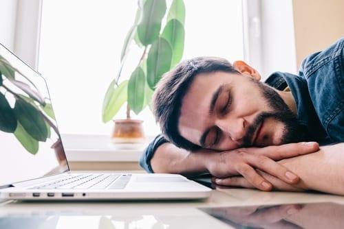 Photo of The Ideal Amount of Sleep – Rabbi Zamir Cohen