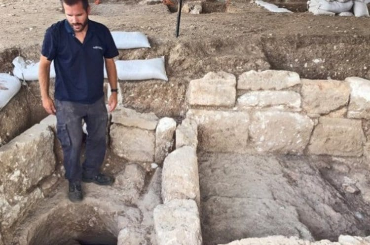 Photo of Excavations Uncover Ancient Pottery Factory in Western Galil