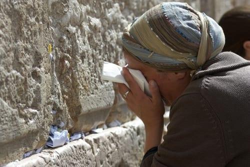 Photo of Praying with Light – R. Yemima Mizrachi