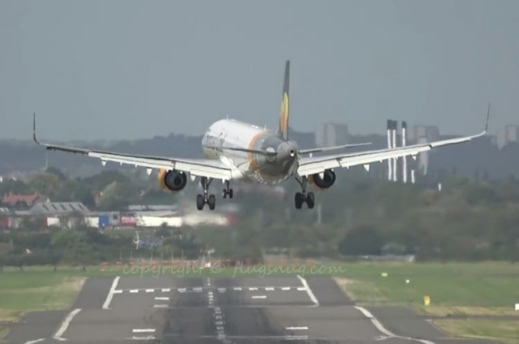 Photo of Watch: Plane Nearly Crashes from Powerful Winds