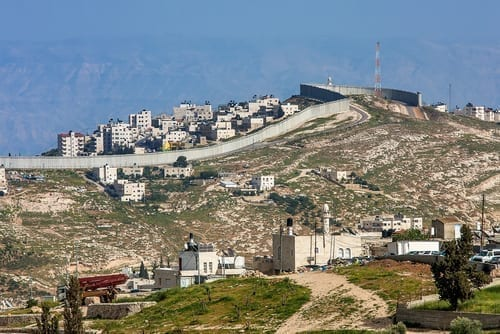 Photo of Israeli MKS Push New Bill to Legalize Unauthorized West Bank Outposts