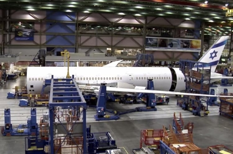 Photo of Watch the Construction of the El-Al Dreamliner