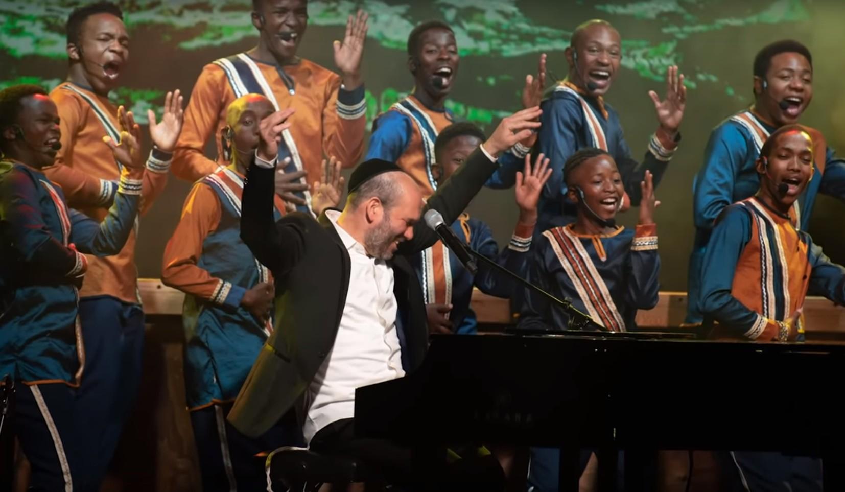 Photo of Watch: Yonatan Razel & Mzansi Youth Choir – Our Soul Waits
