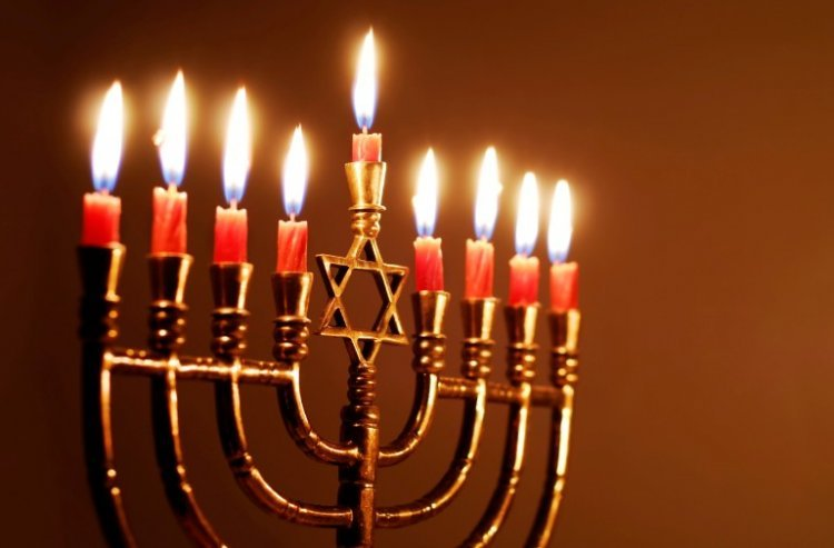Photo of Chanukah Candle-Lighting – Blessings on the Menorah