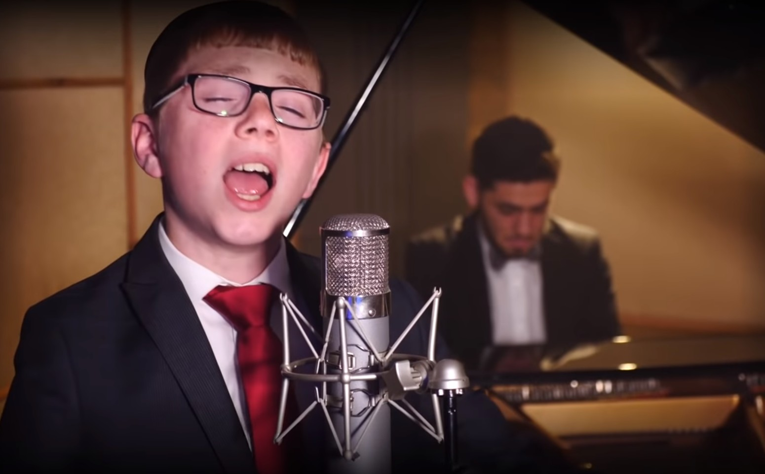 Photo of Yonatan Menat: Libi Shofachti – Official Music Video